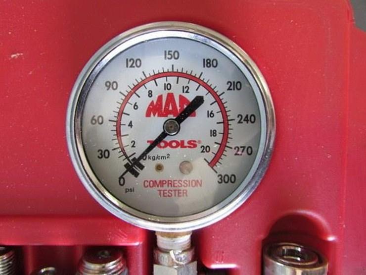 L-702 Mac Tools Compression Test Kit - Lot #, Online Only Ag