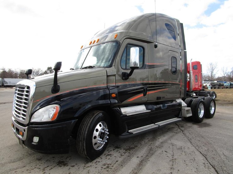 2009 Freightliner CASCADIA Lot 3 Online Only Equipment
