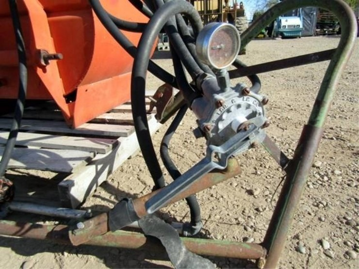 L-1070 Rears 3 Point Sprayer W/ Booms - Lot #, Online Only