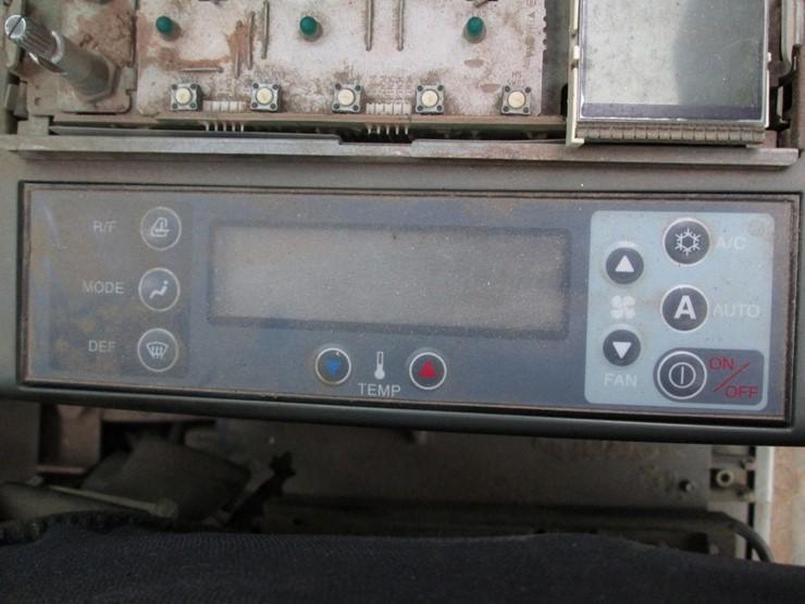 2000 Kobelco SK70SR - Lot #979, Public Equipment Auction, 5