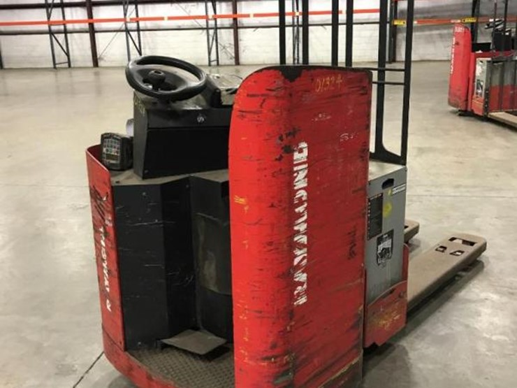 RAYMOND 8900 ELECTRIC PALLET TRUCK FORKLIFT - Lot #30, Online