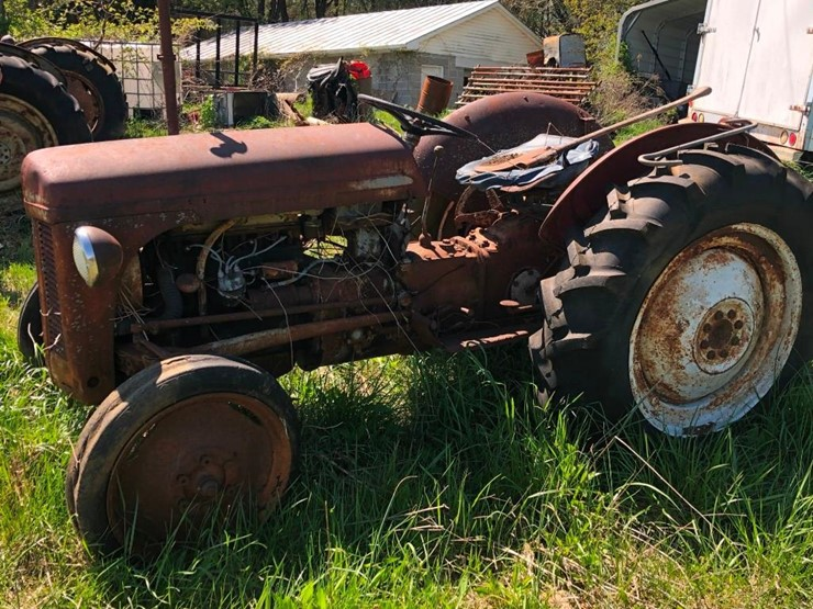 Ford 8N - Lot #14, June 2019 Equipment Consignment Auction