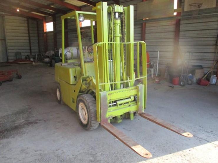 Clark Forklift (DR2343) - Lot #520, Online Only Equipment