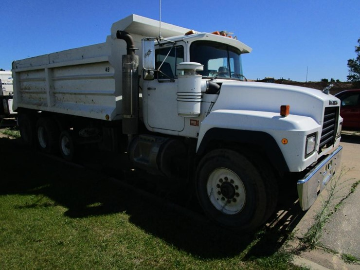1991 Mack RD690S - Lot #5, Online Only Equipment Auction, 8/6/2019 Mack Rd S Wiring Schematic on